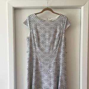 Anne Klein A-line summer dress - Size 16